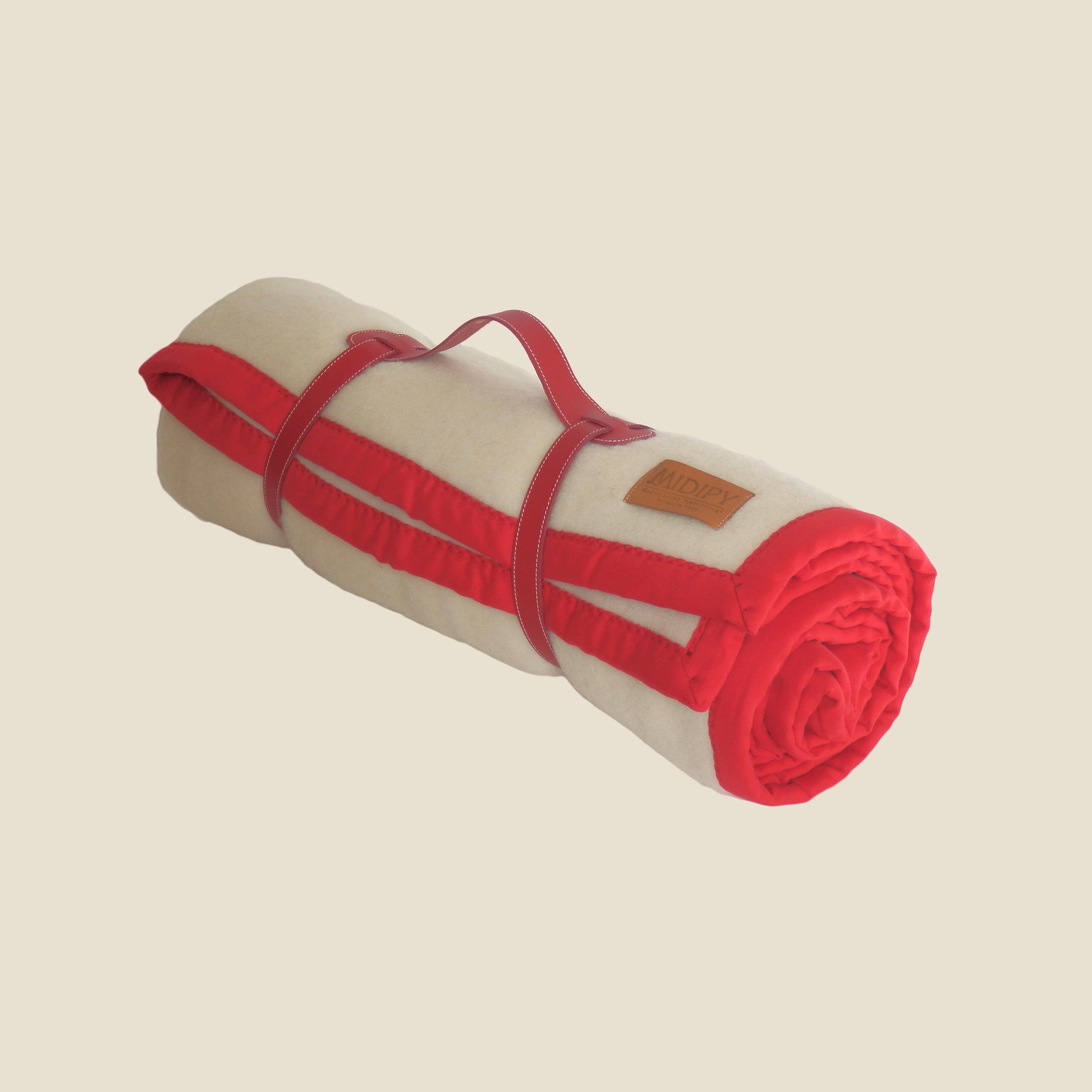 e8248343abe4 Plaid Haute Laine Ivory colour with red braid - MIDIPY